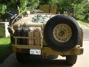 humvee with gas rack--1.jpg