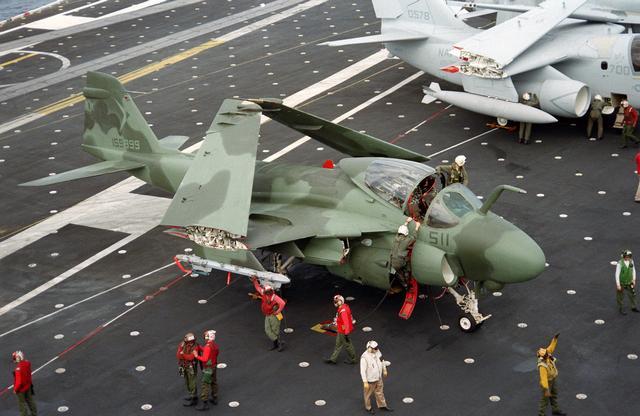 A-6E 159899 VA-165  511.jpg