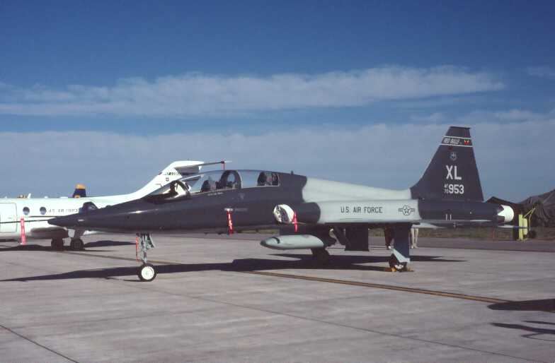 T-38A 70-953 87th FTS XL Hill AFB 7-01 Fred Krause photo.jpg