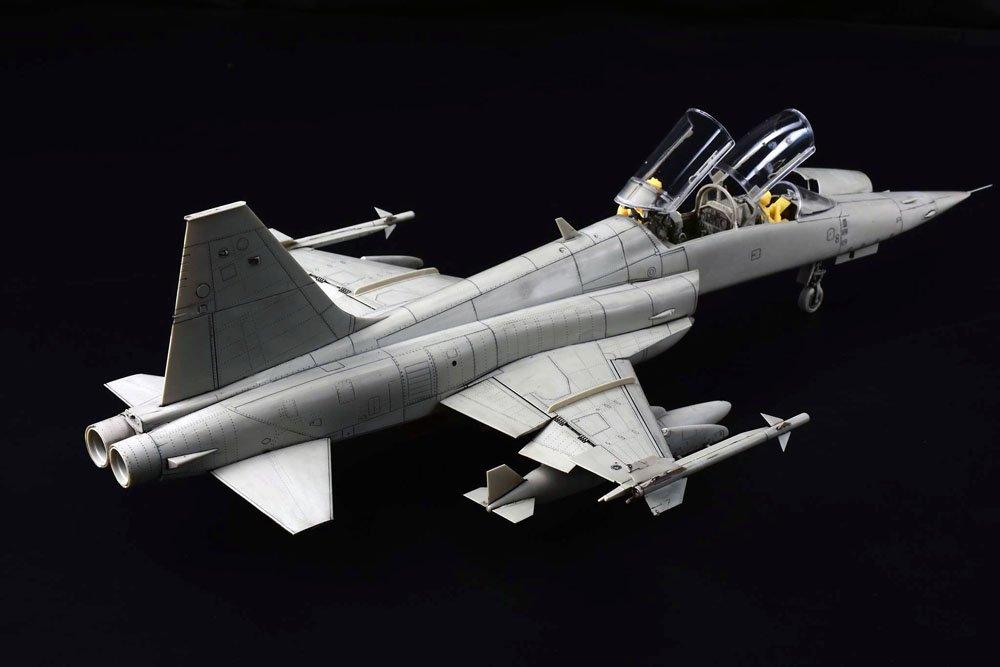KH 132 F5F 05.jpg