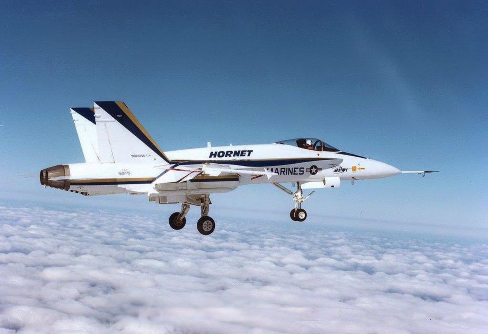 F-18A Prototype 160775 11 Nov 1978.jpg