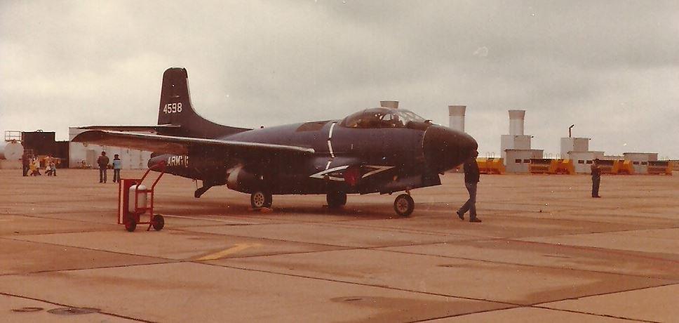 TF-10B_124598_Army_Vance_AFB_OK_unk_a.JPG
