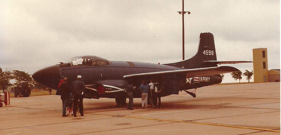 TF-10B_124598_Army_Vance_AFB_OK_unk_b.JPG