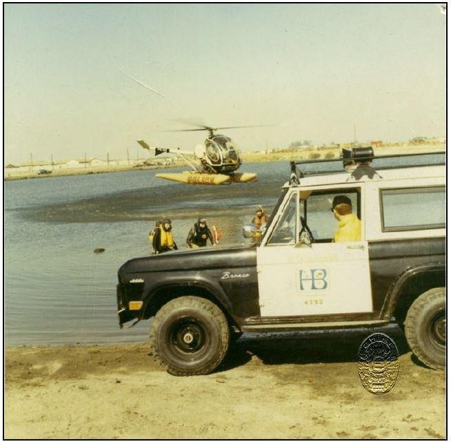 Huntington_Beach_CA_Police_Cruiser_Ford_Bronco.jpg