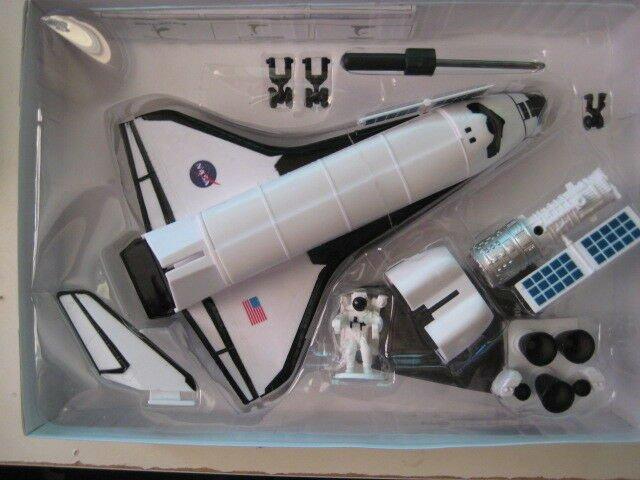 SPACE-ADVENTURE-NASA-Model-Kit-Space-Shuttle-by.jpg