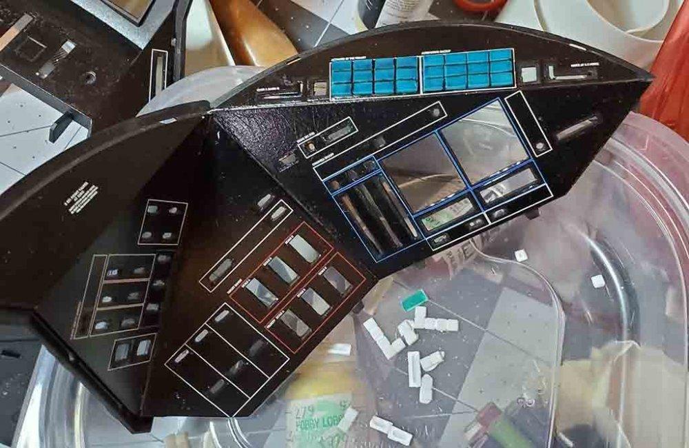 EVA Blue Button tes smallt.jpg