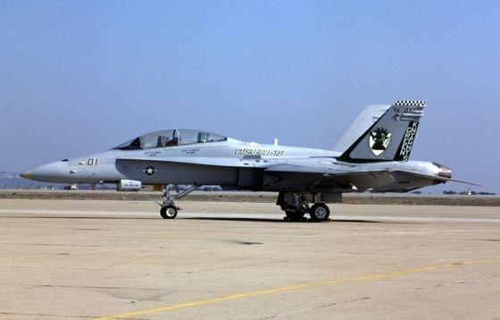 FA-18D_VMFA121_oct97_BrianPlescia_ccxxx.jpg.3448d4d4b32f4376466e8b67c0842d30.jpg