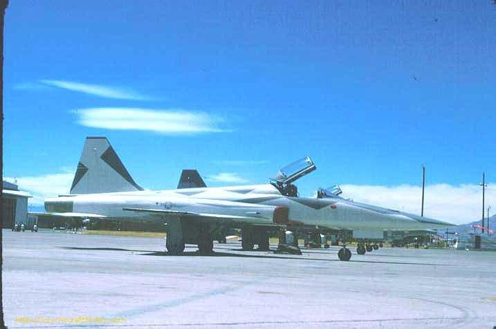 F-5E 74-1510 64th AS Ferris.jpg