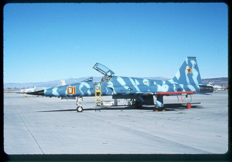 F-5E 730865 VFC-13 01.jpg