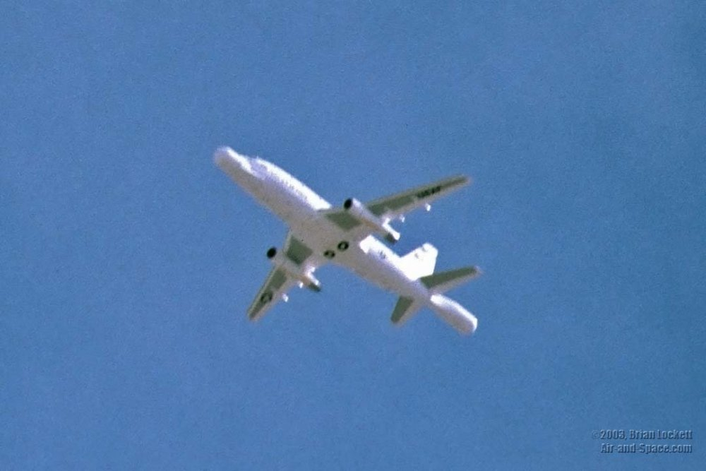 20030124 Death Valley 2 09 NT-43A Radar Test Bed RTB B-2 left front in flight crop l.jpg