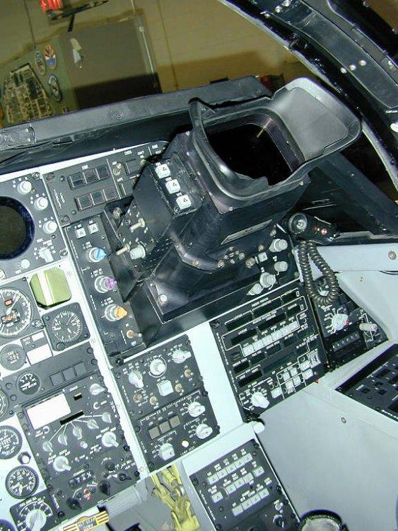 011220-08_f111f_cockpit__1_.jpg