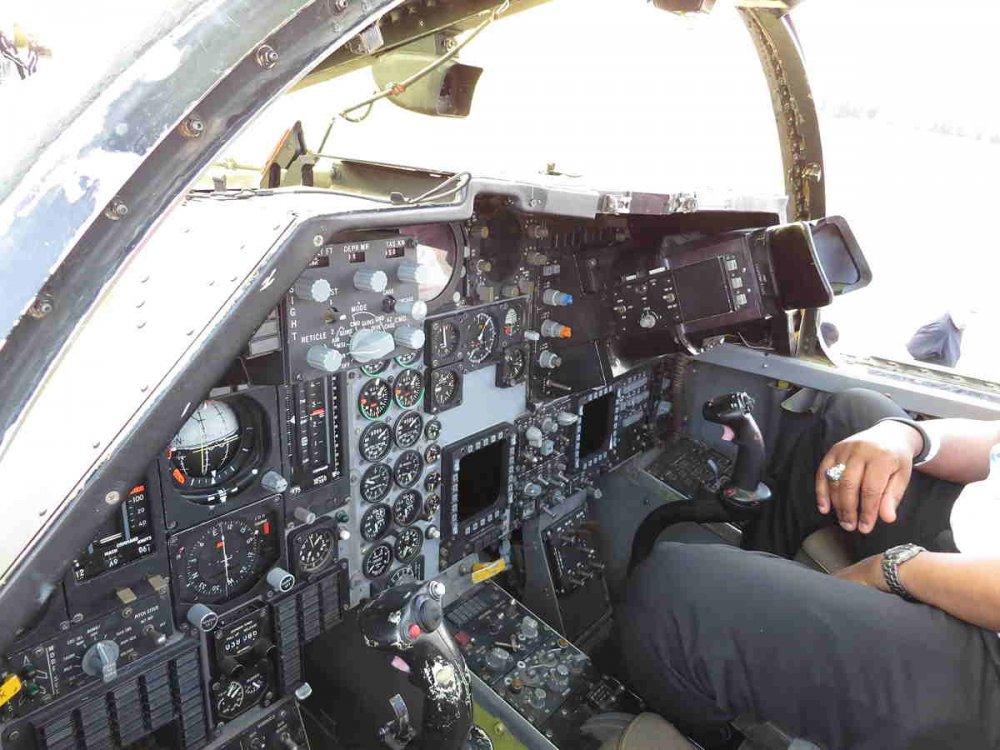 130615-089_f-111f_pacer_strike_cockpit-wso_ip.jpg