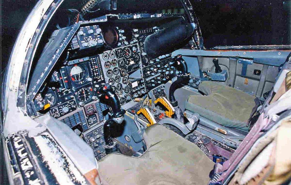 f-111a_cockpit__usaf_.jpg