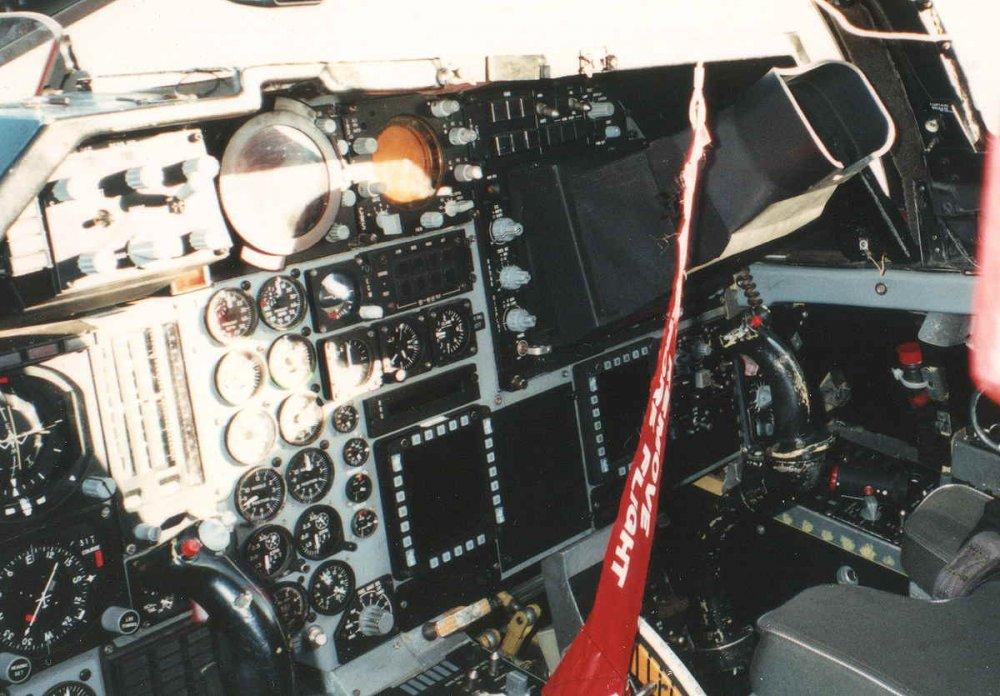 f-111g_cockpit.jpg