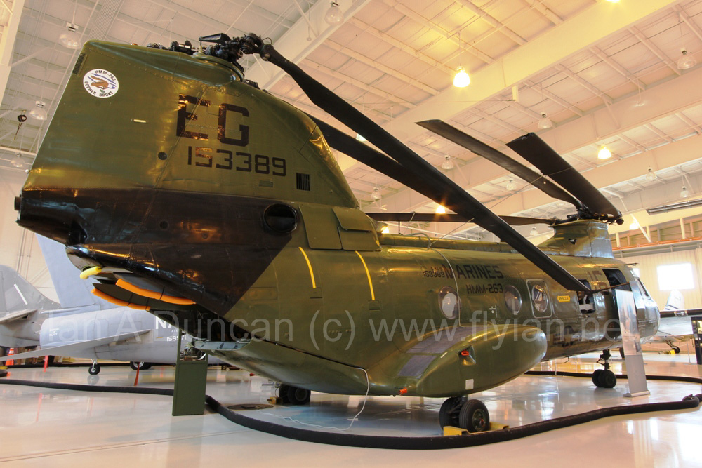 CH-46D 153389 2.jpg